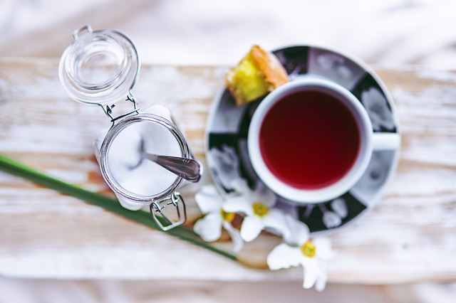 Zamiast cukry wybierz miód lub domowy sok owocowy