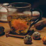 Herbaty idealne na letnie przyjęcia w ogrodzie