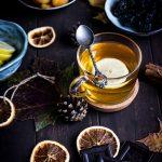 Jak zaparzyć dobrą herbatę białym wrzątkiem?