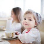 Jak zachęcić dziecko do picia herbaty?
