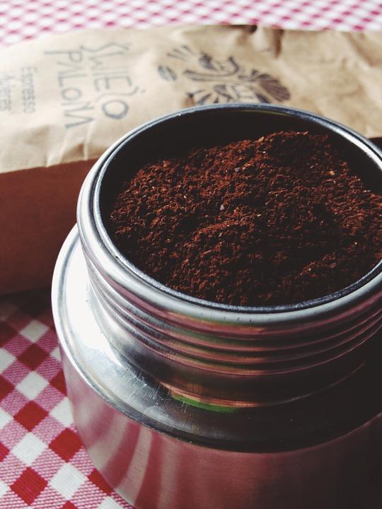 Kosmetyki zmieloną kawą