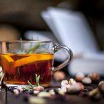 Rozmarynowe kostki lodu z herbaty