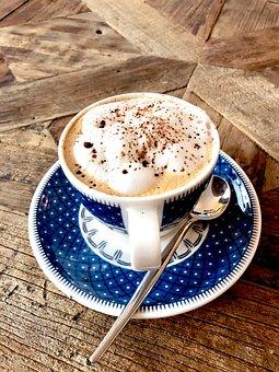kawa z jajkiem podanie